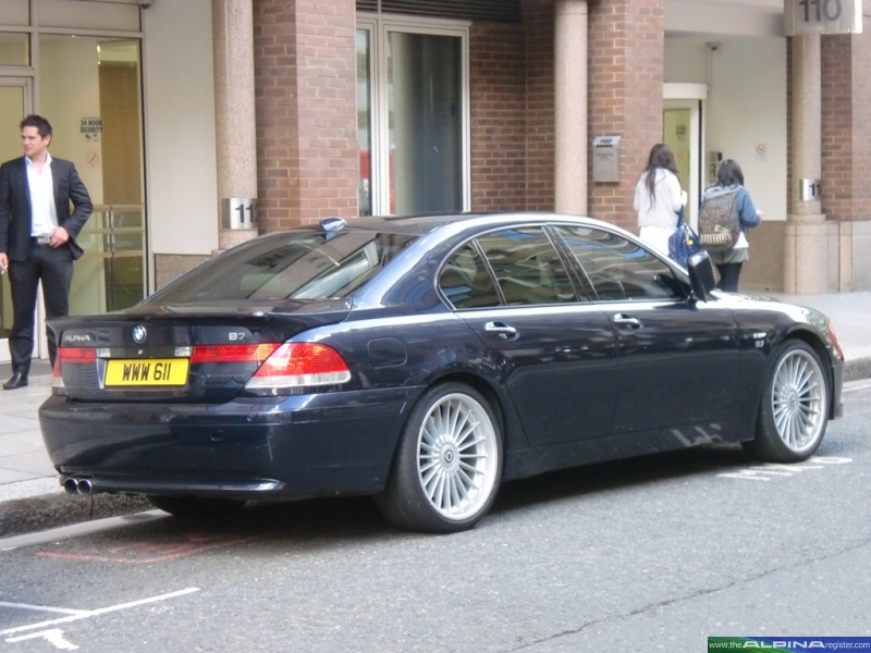 Black B7 Saloon19